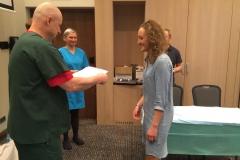 Certyfikat wręcza dr Jerzy Gawor